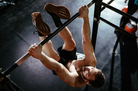 How To Get Better At Toes-To-Bar